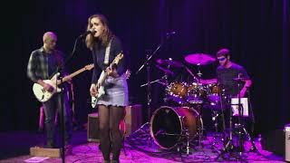 Lauren Beeler Covers 'New York' by St. Vincent live at Isis Music Hall