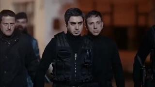 مراد علمدار يحرق صقر و ينقذ عاكف مشهد اكشن من وادي الذئاب الجزء 9 الحلقة 52