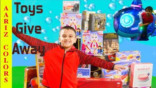 Toys Give Away By Aariz Colors | Subscribe For Free Toys | Juguetes Regalar