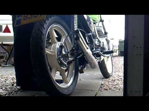 Kawasaki KH250 B4 with a 3 into 1 exhaust