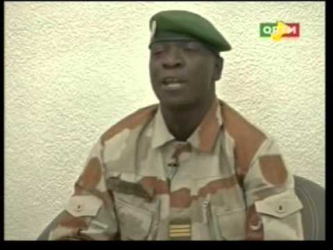 Explication en Bambara du Capitaine Amadou Sanogo après la démission du PM Cheick Modibo Diarra