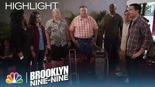 Brooklyn Nine-Nine - The Crew Goes on a Cross-Country Road Trip (Episode Highlight)