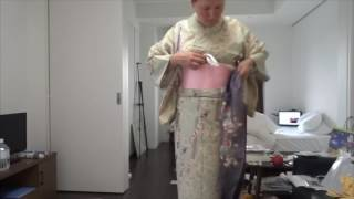 How to Kimono, Gouache and Conte sketching Tokyo in Sakura time.