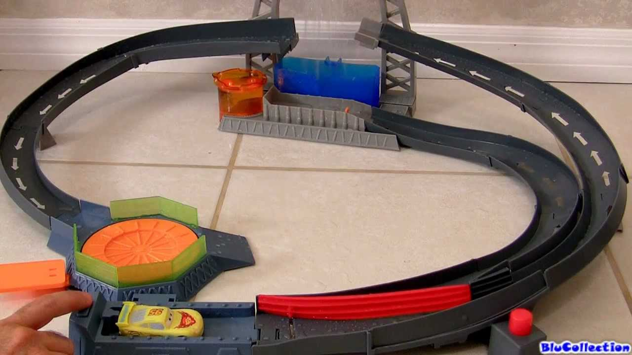 color changers splash speedway track playset cars2 disney pixar by