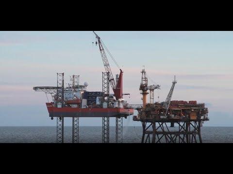 Morecambe Bay - jack-up barge moves to DP8 platform