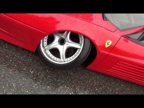 (HD) Ferrari loses Wheel while we drive !