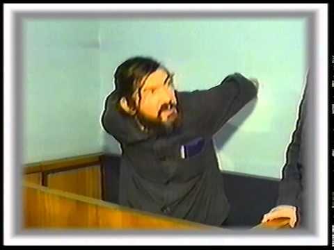 гениальный ленинградский поэт Олег Григорьев в суде за свои стихи (1989 год).