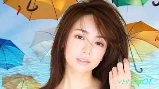 デビューするなり人気急上昇、グラドル、TVドラマ出演と、期待のプレシャス(貴賓ある)で、セクシーな女優さんだ(^^