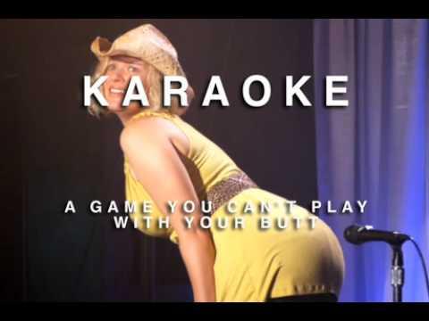 Blondine will mit Po Karaoke singen.mov