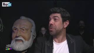 Webnotte, Favino e il passato da imitatore: s'improvvisa Fred Bongusto