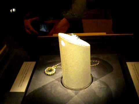 Hope Diamond at Smithsonian natural History Museum