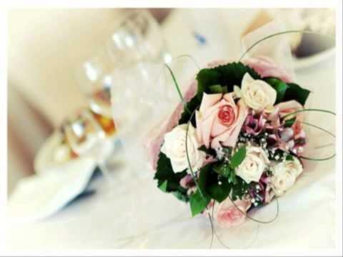 จัดดอกไม้งานแต่งที่บ้าน การแต่งงานแบบประหยัด
