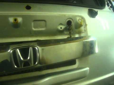 Как разобрать крышку багажника Хонда пилот.