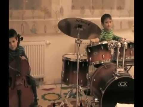Milo and Robin jamming