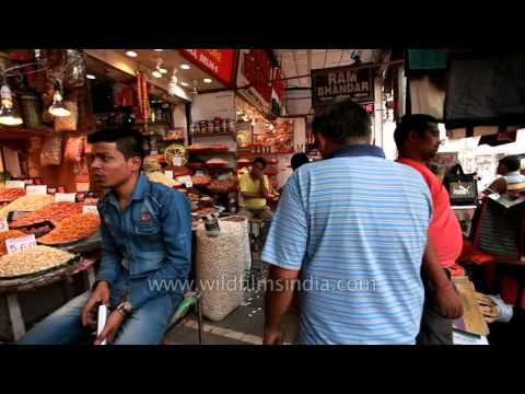 Khari Baoli in Old Delhi : Asia's largest wholesale spice market