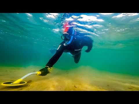 Metal detecting underwater for Treasure