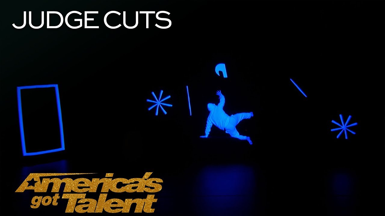 UDI Dance: Glowing Dance Group Performs In Complete Darkness - America's Got Talent 2018