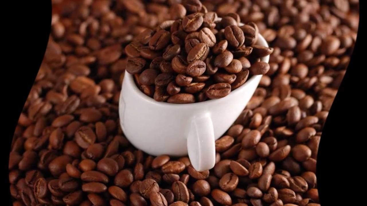 Кофе в зернах позволяет приготовить в кофемашине напиток безупречного качества. Секрет заключается в том, что для загрузки в аппарат выбираются особые виды зерен. Для любого зернового агрегата идеально подойдет восхитительная арабика и ароматная робуста. Настоящие кофеманы.