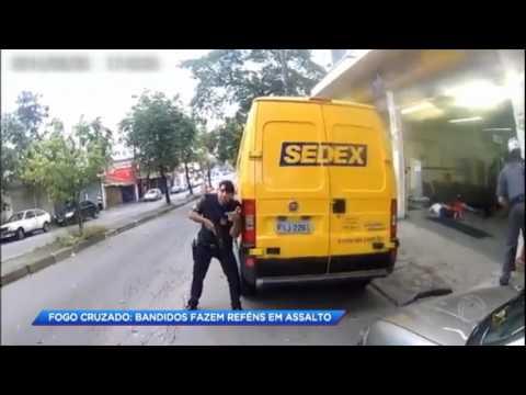 Clientes são feitos reféns em assalto a uma agência dos Correios em SP