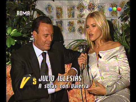 Valeria con Julio Iglesias  Versus  YouTube