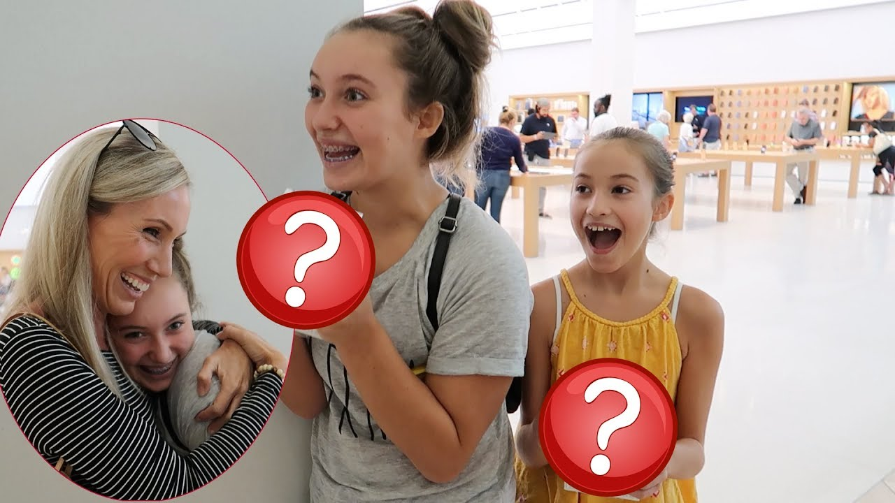 NO BUDGET AT THE APPLE STORE! - YouTube