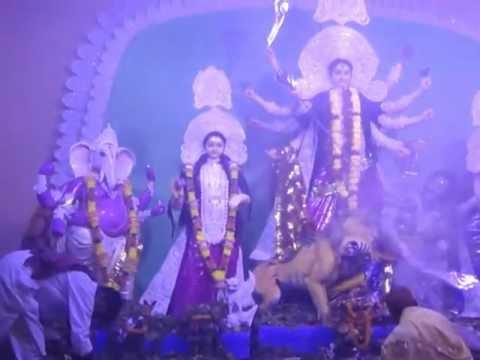 Siliguriu Durga Puja 2011 - M4V06692.MP4