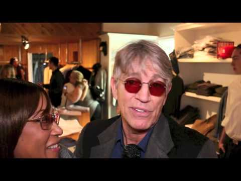 Eric Roberts and Lou Gossett Jr At Suzanne DeLaurentiis Productions 2016 Oscar Gifting Suite