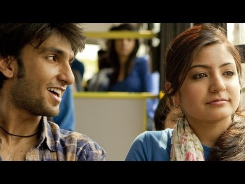 Bittoo Trying To Flirt Shruti - Scene - Band Baaja Baaraat