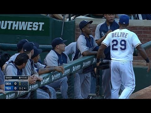 SEA@TEX: Beltre and King Felix have a little fun