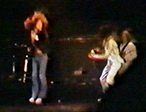 Led Zeppelin - Whole Lotta Love / Rock And Roll (Live In New York 1977) (Rare Film Series)