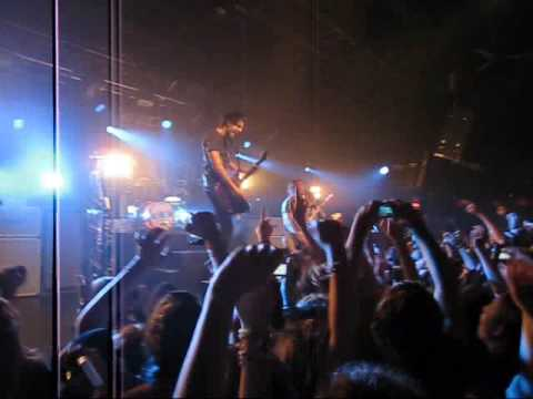 All Time Low - Intro/Lost In Stereo (LIVE HQ)