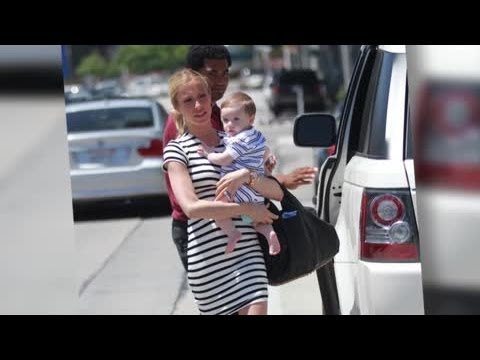 Kristin Cavallari and Son Step Out in Matching Outfits - Splash News | Splash News TV