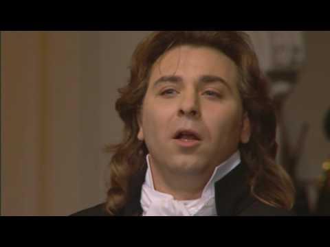 G.Donizetti(Roberto Alagna)   Una Furtiva Lagrima(Elisir d`Amore)