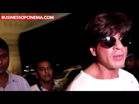 Shah Rukh Khan's Uber Cool Airport Look Will Make You Fall For Him Even More!