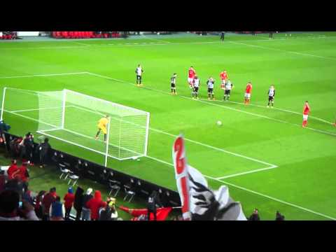 Benfica 7 - 0 Paços Ferreira (2002) from YouTube · Duration:  1 minutes 37 seconds
