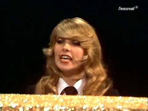 Rock Bottom - Lynsey de Paul & Mike Moran (rare performance)