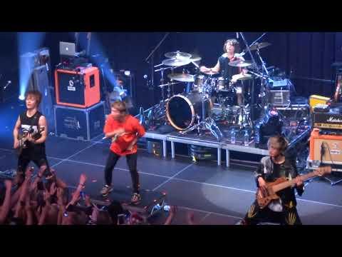 One Ok Rock live at Tivolivredenburg Utrecht 10-12-2018 4/4