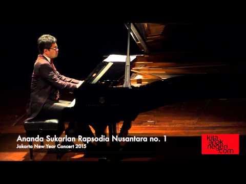 Ananda Sukarlan Rapsodia Nusantara no 1 dimainkan oleh komponisnya sendiri