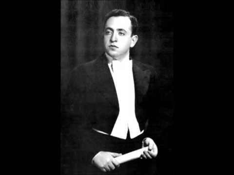 "Misha Alexandrovich sings ""Mandulinata a Napule""  (Tagliaferri)"