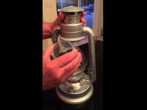 Removing globe from a WT Kirkman lantern