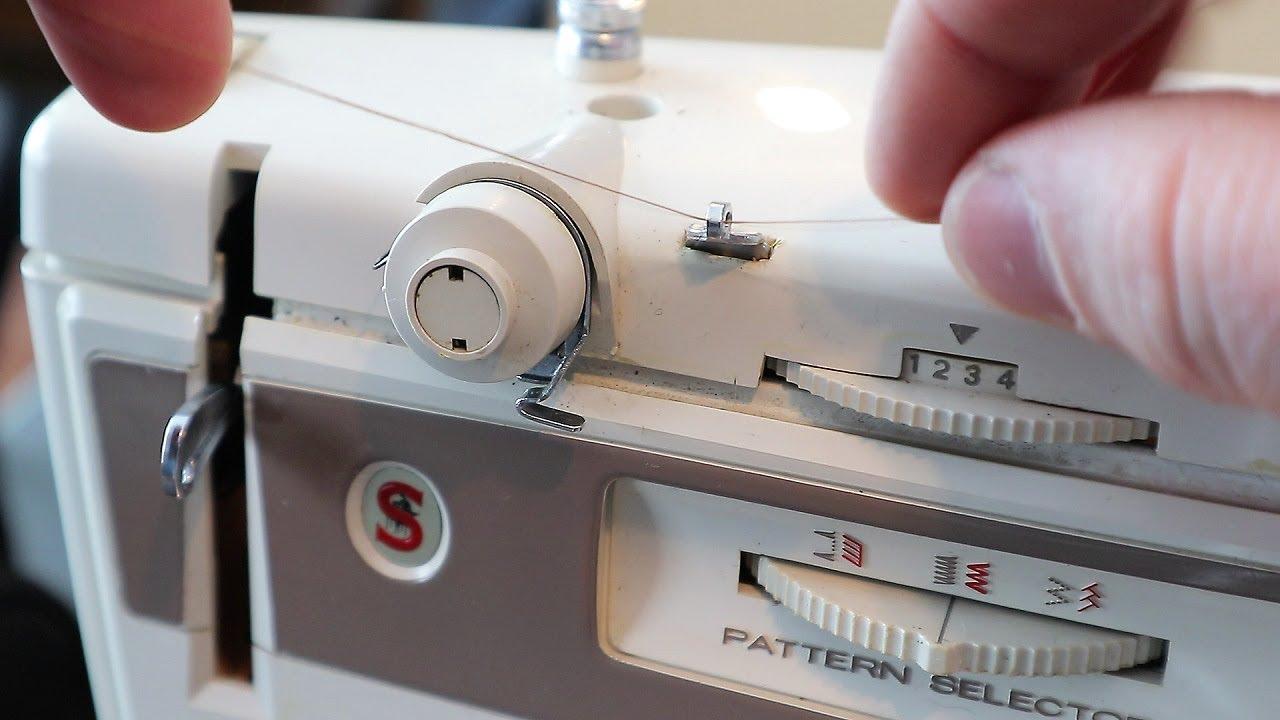 Vintage 1978 singer stylist sewing machine zig zag free arm model.