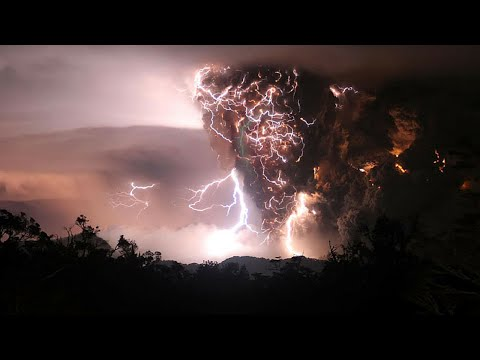 MT Etna Eruption 2015 Lightning Sicily, Italy Part 2