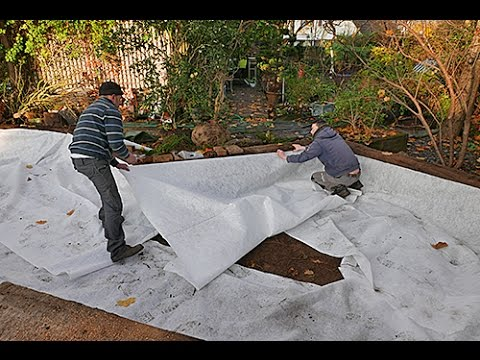 La Pose D Un Geotextile Avant Plantation Youtube