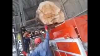 Сrusher. Дробилка ( измельчитель ) древесных отходов в опилку(, 2015-01-22T08:25:17.000Z)