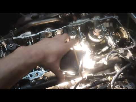 Nissan Cabstar как снять форсунки ZD30 двигатель Ниссан кабстар