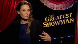 Download Lagu Actor Rebecca Ferguson Explains How She Brings Life to an Opera Star in Greatest Showman Mp3