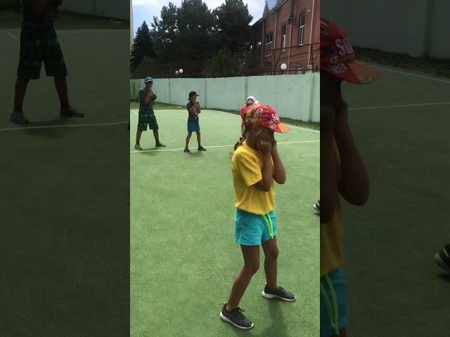 Юные спортсмены тренировка на поле