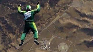 GIU' SENZA PARACADUTE DA 7600 METRI | Luca Aikins Skydiver