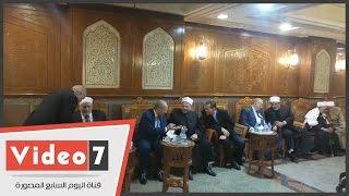 مفتى الجمهورية ورئيس جامعة الأزهر وهشام جنينه وعمر هاشم فى عزاء وزير الأوقاف الأسبق
