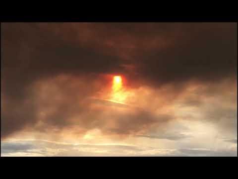Ourense, envuelto en humo tras arrasar el fuego un millar de hectáreas